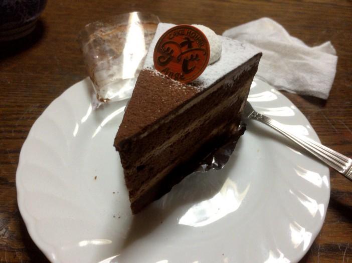 こたつでケーキ