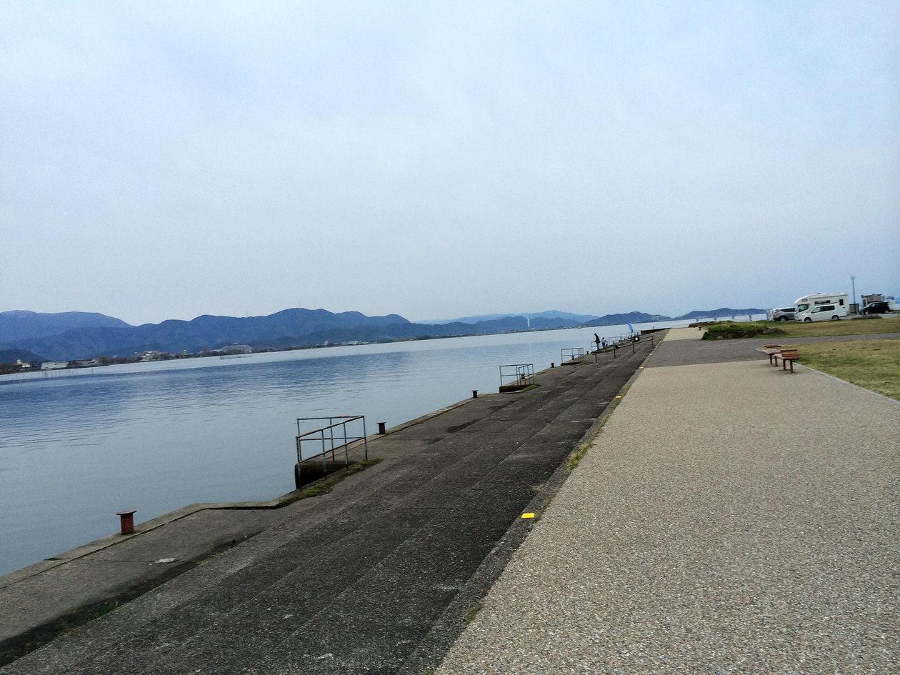 長浜駅から琵琶湖へ