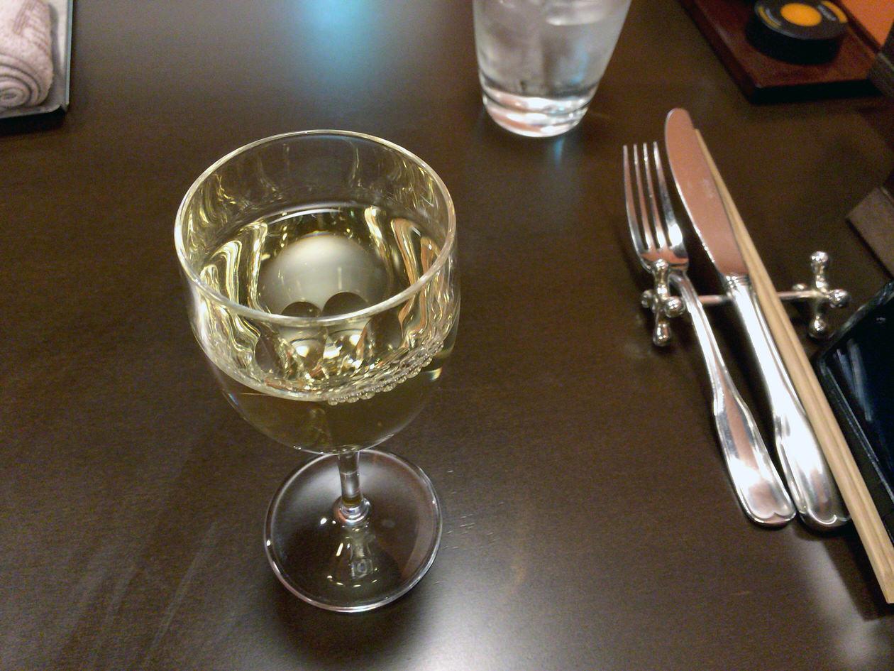 グラスワイン300円