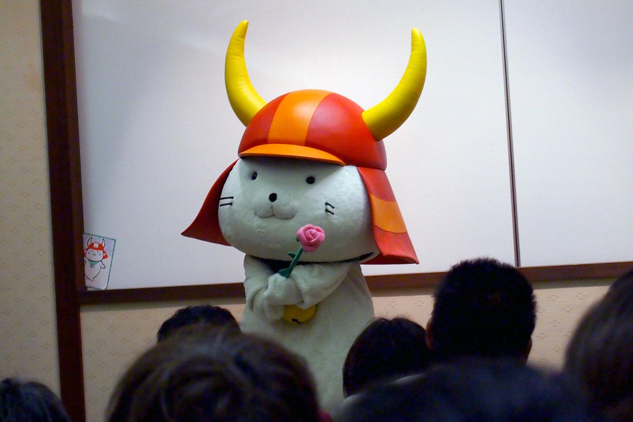 彦根城で待ってるにゃー