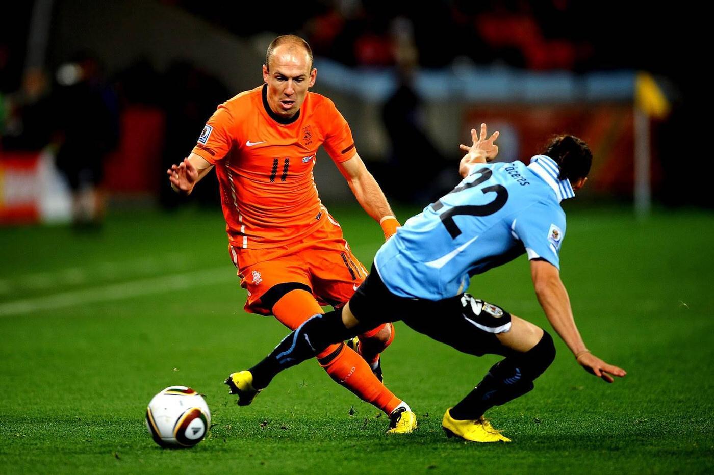 オランダ代表ロッベンの脅威のスピード