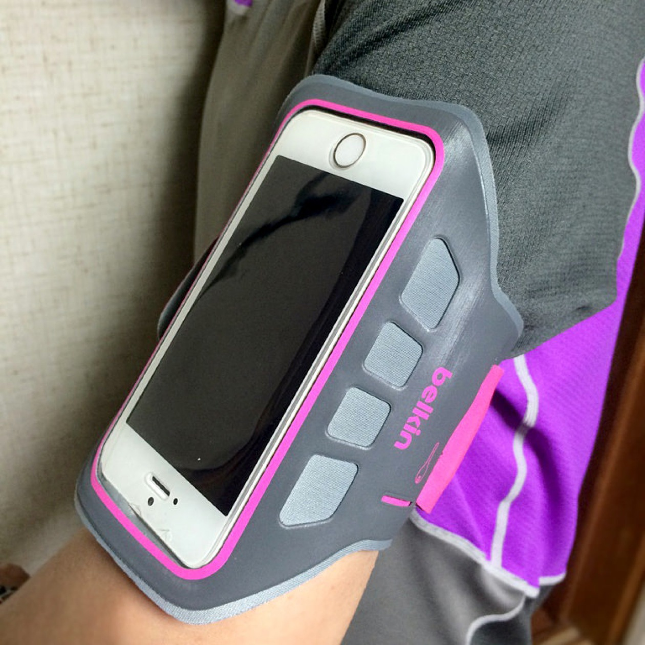 Belkin ease fit plus iphone 装着感