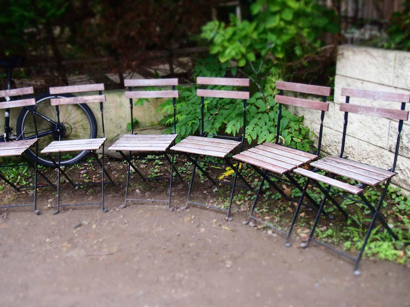 カフェ坂の下のベンチ
