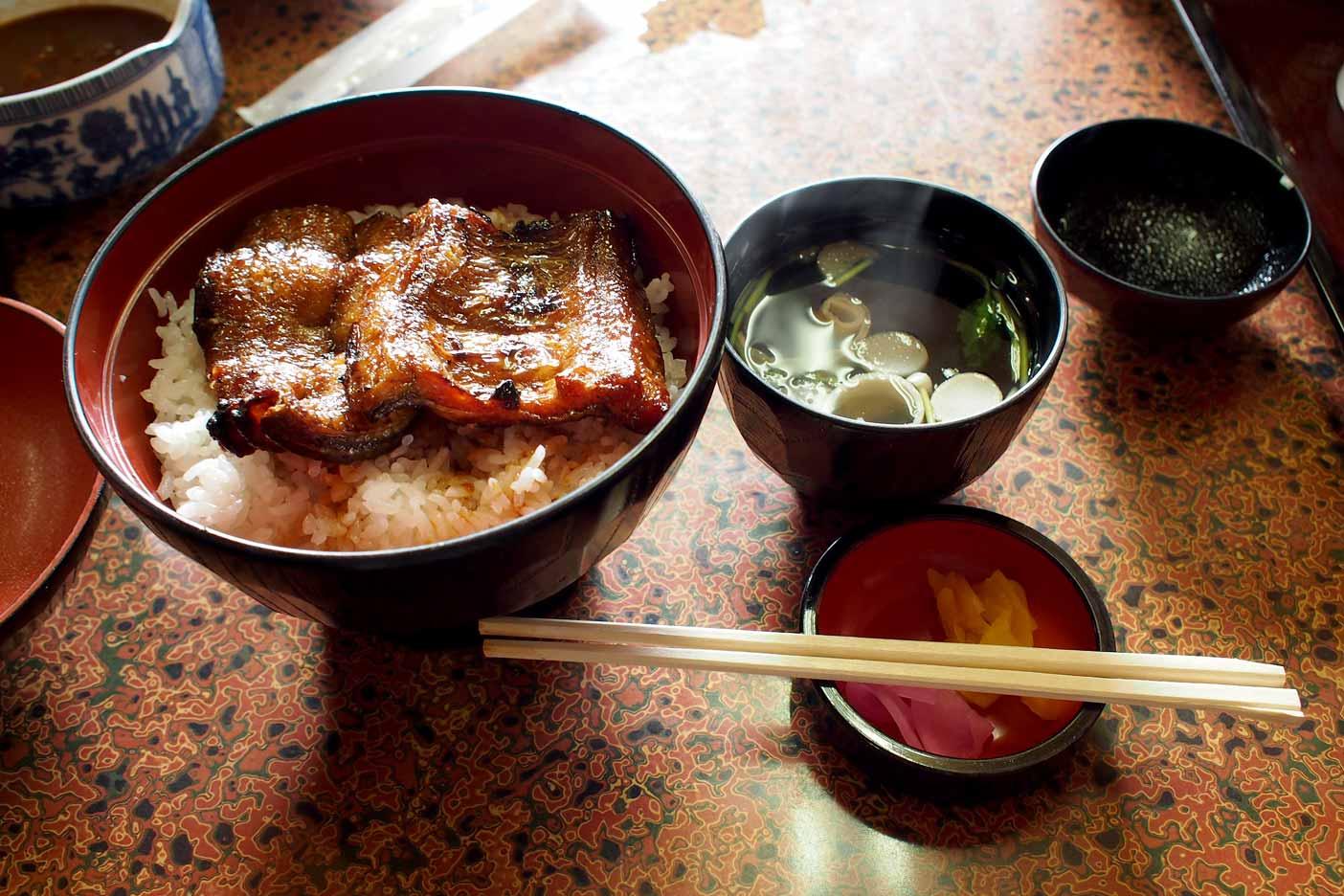 豊川稲荷カドヤのウナギ丼