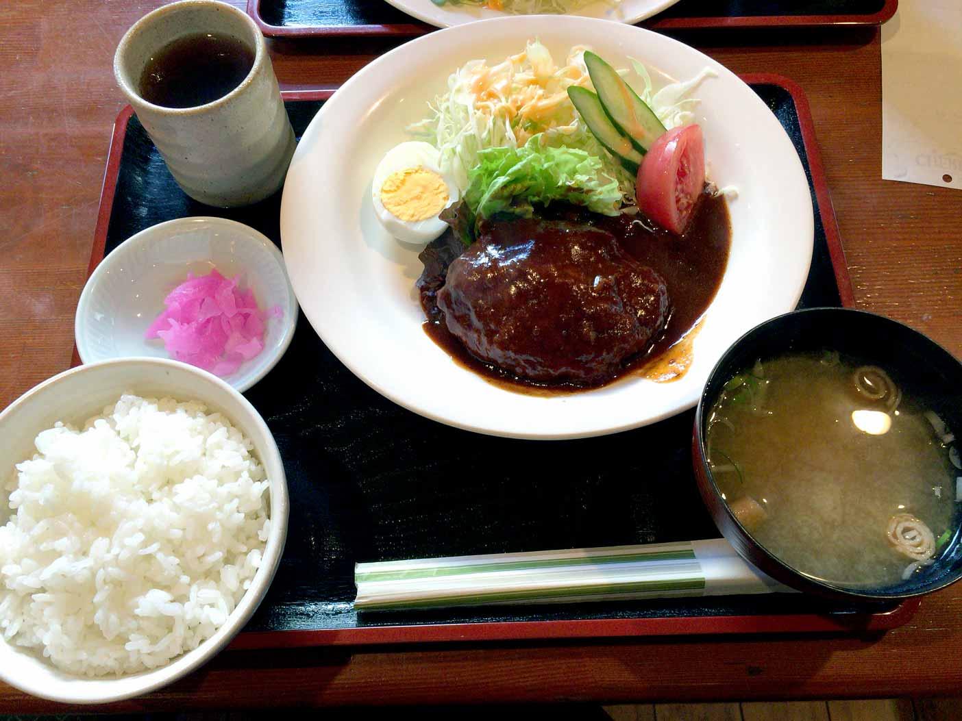 桜山・チェリーのハンバーグランチ