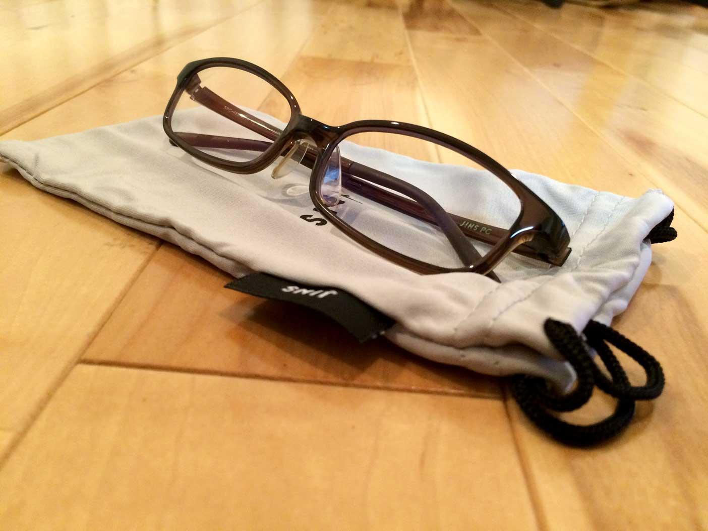 透明レンズのJINS PC