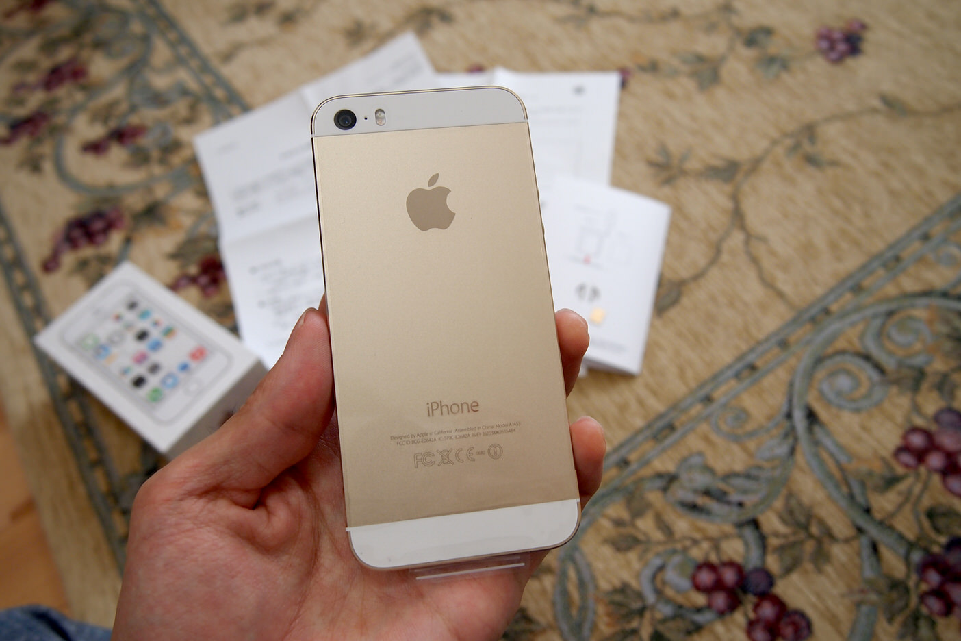 Iphone5sが新品に。